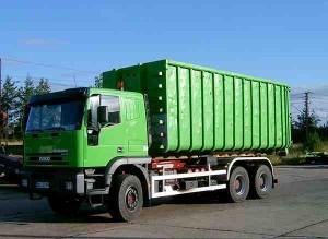 container-lkw-mit-hakenlift-300x219